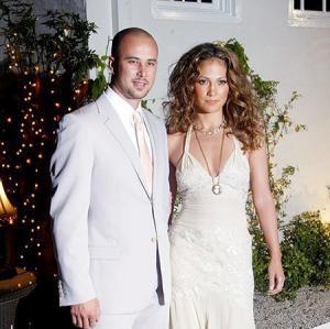 ვარსკვლავების 15 ყველაზე ხანმოკლე ქორწინება