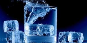 რატომ არის საზიანო ცივი სასმელი წყალი და რა დადებითი თვისებები აქვს თბილი წყლის დალევას?
