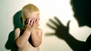 როგორ ძალადობს ბაღის აღმზრდელი 8 თვის ბავშვზე - ვიდეო სოციალური ქსელიდან!