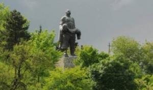 ჯარისკაცის მამის ძეგლის რეაბილიტაციაზე გურჯაანში 33 333 ლარი დაიხარჯება
