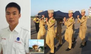 ინდონეზიაში დაკრძალეს გმირი ავიადისპეტჩერი,რომელმაც ასეულობით მგზავრი გადაარჩინა