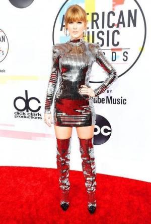 ყველაზე უგემოვნო ჩაცმულომა American music awards -2018 -ზე