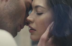 3 ყველაზე სექსუალური და შთამბეჭდავი რეკლამა მოდის ისტორიაში  ( + ვიდეო)