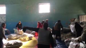 მეორეული ტანსაცმელი სალომე ზურაბიშვილის შემოხაზვის შემთხვევაში - ხალხის წყვეტა ფუთებზე(ვიდეო)