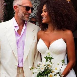 როგორ მიულოცა 52 წლის იუბილე ვინსელ კასელს ახალგაზრდა მეუღლემ...