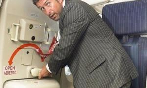 თვითმფრინავის მგზავრი ცდილობდა თვითმფრინავიდან 10 კილომეტრ სიმაღლეზე გადმოსულიყო