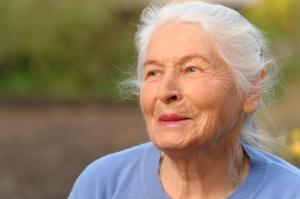 მეცნიერების დასკვნა: მარტოხელა ქალები უფრო დიდხანს ცხოვრობენ
