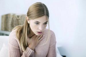 როგორ ვუმკურნალოთ ყელის ტკივილის სახლის პირობებში?