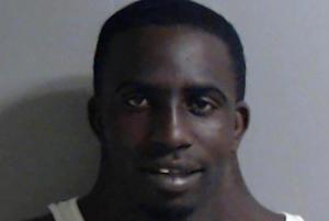 აშშ-ს ფლორიდის შტატის პოლიციამ გამოაქვეყნა ნარკოტიკების გასაღებისათვის დაკავებული მამაკაცის სურათი, რომელმაც არნახული პოპულარობა მოუტანა მას