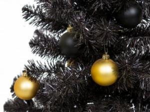 როგორი ნაძვის ხეა მოდაში წელს? შავი!