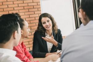 რისი თქმა არ შეიძლება სამსახურში: 5 ფრაზა, რაც კარიერას საფრთხეს უქმნის