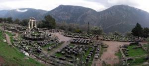 დელფო-ძველი ბერძნების სასულიერო ცენტრი-მსოფლიოს საოცრებები