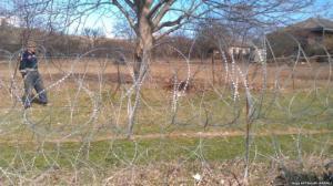 ოკუპანტებმა ხურვალეთში ერთ-ერთი ადგილობრივის ბაღის ნაწილი მიიტაცეს