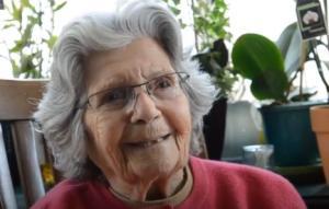 90 წლის რეჯინა ბრეტის 33 ფრაზა, რომელიც დაგაფიქრებთ და გაგამხნევებთ!
