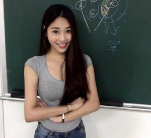 ყველაზე ლამაზი მასწავლებელი ტაივანიდან