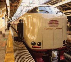 """იაპონური """"ღამის მატარებელი"""" Sunrise Izumo/Seto"""