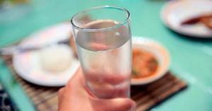 როდის უნდა დავლიოთ წყალი(დილით, შუადღეს, საღამოს, ჭამამდე, ჭამის პერიოდში თუ ჭამის შემდეგ)?