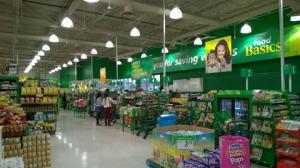კანადაში შემთხვევით მაღაზია ღია დარჩათ, მყიდველებმა არა თუ არაფერი მოიპარეს, არამედ ფულიც კი დატოვეს