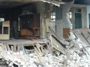 საცხოვრებელი კორპუსის მშენებლობის დროს სინაგოგის შენობას გამოაცალეს საფუძველი...