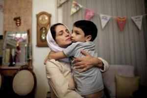 33 წელი ციხე და 148 როზგი: რის გამო დასაჯეს ირანელი ადვოკატი ქალი