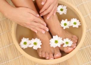 ჩაის აბაზანები ფეხებისთვის, რომელიც ყველამ უნდა მიიღოს!