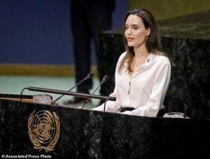 მოდის თუ არა პოლიტიკაში ჰოლივუდის ვარსკვლავი ანჯელინა ჯოლი - ის გაეროს სამშვიდობო მინისტერიალზე ემოციური სიტყვით გამოვიდა ( + ფოტოები და ვიდეო )