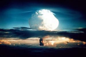 ნატო რუსეთის ტერიტორიაზე ბირთვულ დარტყმას განახორციელებს აგრესიის შემთხვევაში- აცხადებს პოლონელი გენერალი