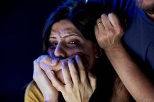 მამაკაცმა გაცნობის საიტიდან  ქალი დაატყვევა და ერთი კვირა აუპატიურებდა