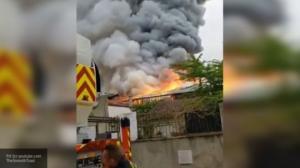კიდევ ერთი  ხანძარი  პარიზში...ცეცხლი ამჟამად  ვერსალის  სასახლეს  უტევს