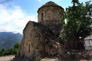 მძიმე ინფორმაცია: თურქები დოლისყანის ეკლესიაში ტუალეტს აკეთებენ