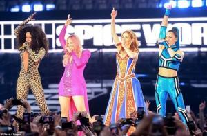 უკმაყოფილო მაყურებელმა Spice Girls-ის კონცერტი დატოვა
