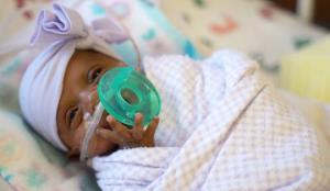 ამერიკაში  მსოფლიოში ყველაზე პატარა ბავშვი დაიბადა