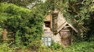 ეს სახლი 500 წლისაა. შიგნიდან ნახვისას მეტყველების უნარს დაკარგავთ