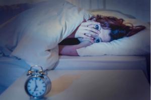 რომელ საათზე გეღვიძებათ ღამით და რატომ? რის თქმას ცდილობს სხეული?