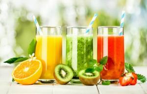 გსურთ ორგანიზმის გაწმენდა შლაკებისა და ტოქსინებისგან? მაშინ მიიღეთ ეს 9 სასარგებლო და გემრიელი სასმელი