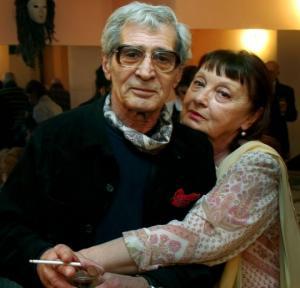 ''ამ ორი ადამიანის ამ ქვეყნიდან გასვლა თეატრალურ სცენარს ჰგავს''- რეჟისორი სანდრო მრევლიშვილი და მისი მეუღლე ერთ დღეს გარდაიცვალნენ