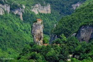 ქართული საოცრება - კაცხის სვეტი და მისი დახურული, იდუმალი სამყარო