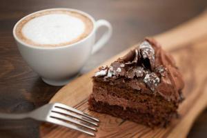 ტორტი,  პიცა  თუ შოკოლადი - რომელი  ნუგბარი იწვევს  საკვებზე  დამოკიდებულებას?