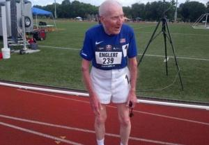 96 წლის მოხუცის მიერ დამყარებული მსოფლიო რეკორდი 5 კილომეტრიან დისტანციაზე სირბილში