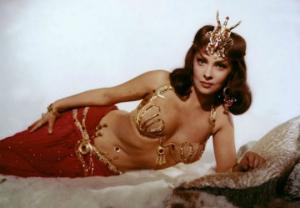 """1960-იანი წლების ყველაზე ლამაზი ქალი,მეტსახელად ,,დიდი ბიუსტი"""" (+ფოტოები)"""