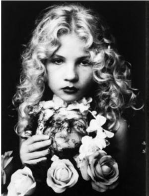 """ევა იონესკოს ,,წართმეული ბავშვობა"""",რომელიც 5 წლის ასაკში დედამისის სათამაშოდ იქცა"""