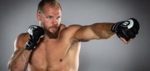 რაგბიდან  ორთაბრძლაში : ჰასკელი  მძიმეწონიანი MMA- ს მებრძოლი ხდება