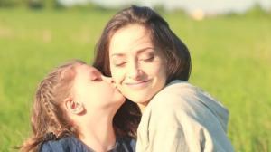 7 მიზეზი, რის გამოც განათხოვარ ბავშვიან ქალზე დაქორწინება უკეთესია