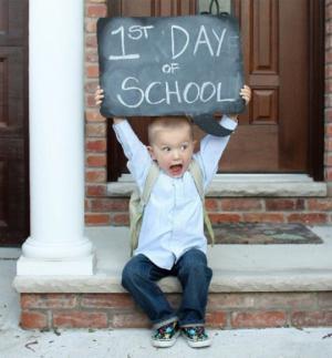როგორ შემოვუნახოთ სკოლის პირველი დღის ემოცია ჩვენს შვილებს ისე, რომ არასდროს დაავიწყდეთ?