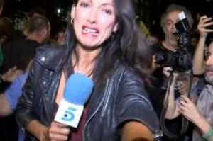 მომიტინგეებმა ჟურნალისტი ისე დაამცირეს, რომ  ქალი ტირილამდე მიიყვანეს