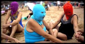 """""""თეთრკანიანი ქალღმერთები"""" -  იცით, რატომ  მალავენ ჩინელები სახეს სანაპიროზე?"""