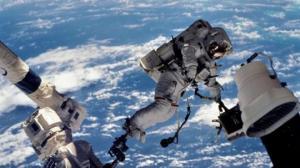 კოსმოსურ სადგურებზე მყოფ კოსმონავტებს დიდი საფრთხე ემუქრებათ