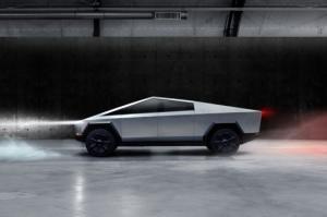 ტესლას ახალი მანქანის 10 გასაოცარი ფოტო