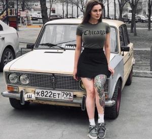 """ტომა ჟდანოვა, ულამაზესი  გოგონა, რომელსაც უცხოური ბრენდის მანქანები არ აინტერესებს და 2 """"ВАЗ-2106"""" ჰყავს"""