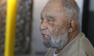 კაცი, რომელიც ამბობს, რომ 93 ქალი მოკლა FBI- მ ამერიკის ყველაზე სასტიკ სერიულ მკვლელად დაასახელა